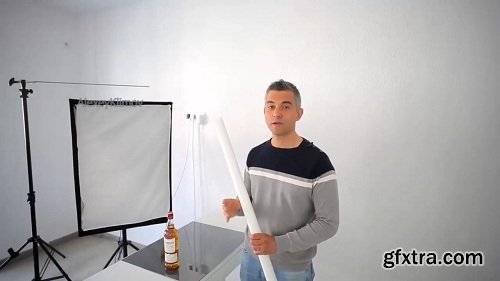 Creative Photography: Advertising Shot Of a Drink with a Single Light Source