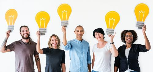 People with lightbulb icon - 414485